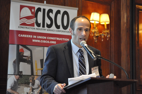 Doug Widener dicusses green jobs at CISCO luncheon